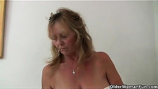 British old slut Isabel has large pantoons and a fuckable fanny