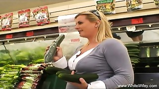 White Wifey Picked Up By Huge black meat