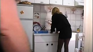 Masked lady does orall-service in double bang clip